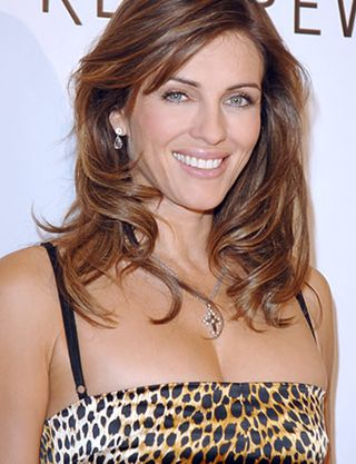 liz hurley wonder woman. Elizabeth Hurley is set to