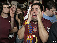 41656650_arsenal_fan_crying203