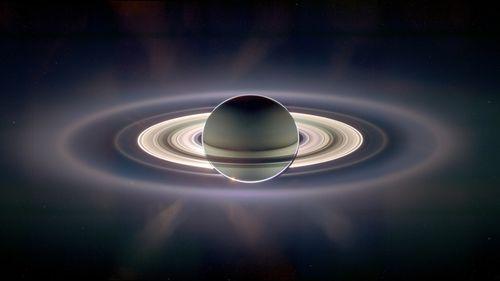 Saturn-full