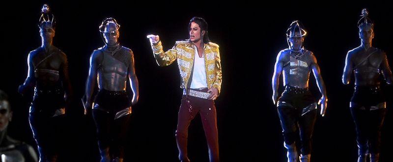 Michael-jackson-hologram-billboard-music-awards-990